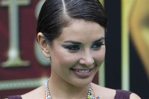define actress cbell canadian actress lisa ray helps open stem cell storage
