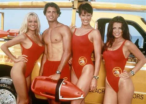 actress from baywatch in the 90s the 25 best baywatch tv show ideas on pinterest run tv