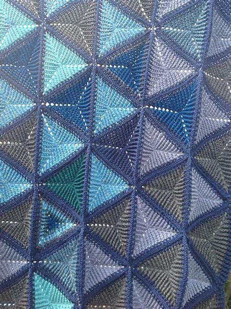 pattern for triangle afghan 913 best crochet triangle images on pinterest crochet