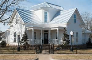 magnolia farm b and b waco tx chip and joanna gaines taking reservations for magnolia house