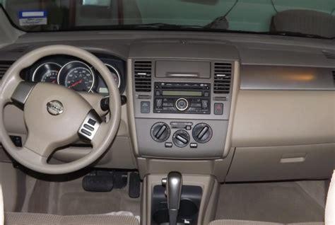 Nissan Versa Hatchback Interior by 2010 Nissan Versa Interior Pictures Cargurus