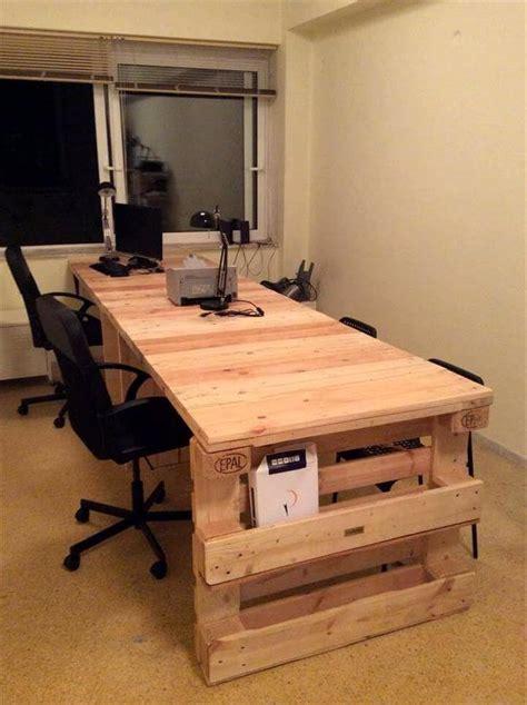 Diy Pallet Desk Diy Pallet Office Desk 101 Pallets
