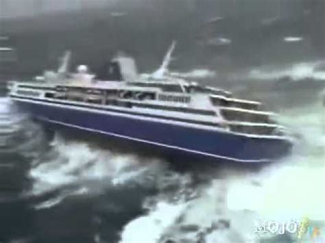 gyroscopic boat bed 1000 passenger cruise ship almost down by the tsunami
