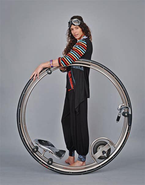 wandlen retro design monowheel inspired in ben wilson garage