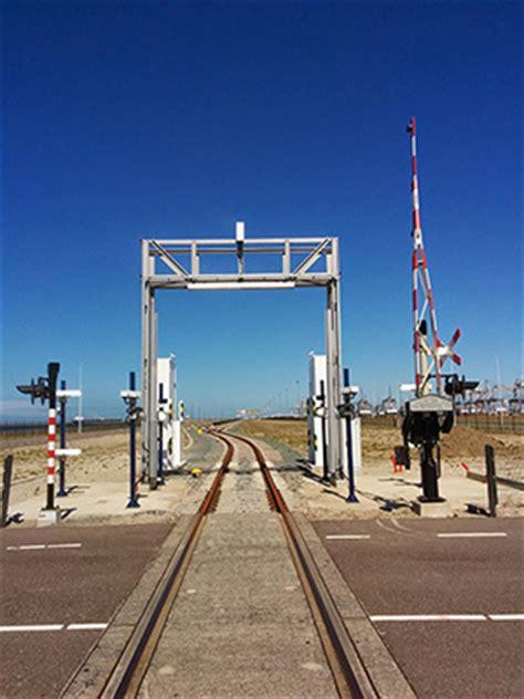 portal rail designs rail ocr portal 300px camco