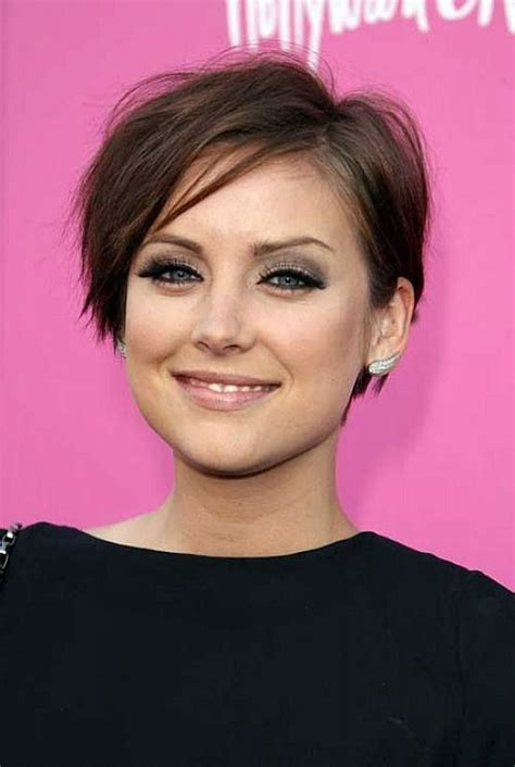 short haircut that adds volume short hairstyles for thin hair that will add volume to