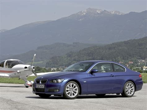 Bmw 3er Coupe E92 by Bmw 3 Series E92 Coupe Photos Photogallery With 110 Pics