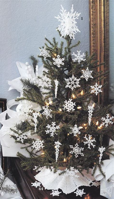 christmas tree snowflake patterns 17 best images about tree skirts on free pattern burlap tree