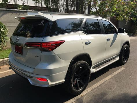 Toyota For Tuner Toyota Fortuner Muscles Up With Fiar Design Kit