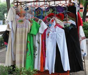 Clothing For Sale File Clothessalesolidaridaddf Jpg Wikimedia Commons