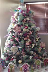 arboles de navidad decorados con flores para compartir