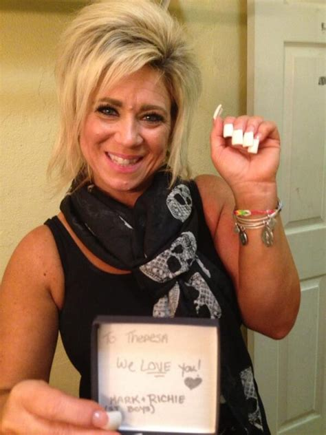 long island medium fingernails theresa caputo s fake nails hairstylegalleries com