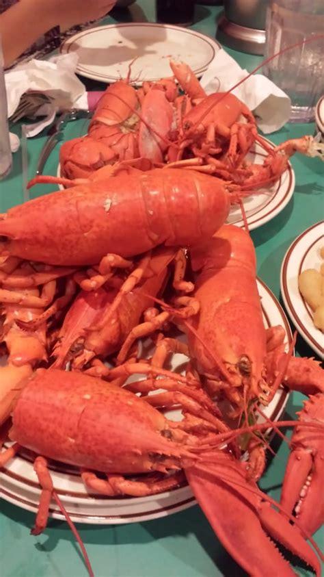 famous lobster buffet 122 photos buffets northwest