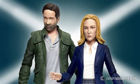 figure x files mulder and scully return as x files 2016 figure set