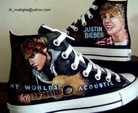 justin bieber shoes justin bieber photo 18396558 fanpop