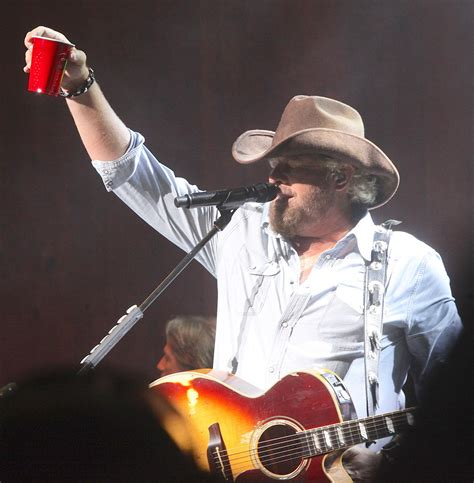 toby keith football toby keith football semi pro pictures to pin on pinterest