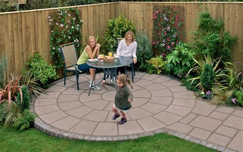 Garden Paving Ideas Uk Small Backyard Paving Ideas Practical Simple Garden