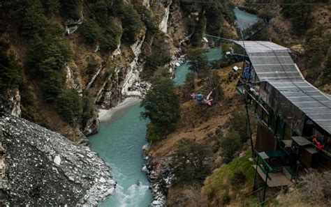 canyon swing australia queenstown canyon swing shotover 187 peterpans travel