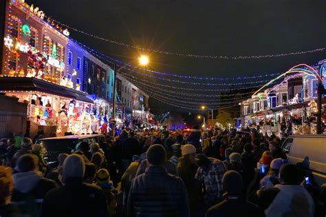The Show Goes On For 34th Street Christmas Lights In Lights Baltimore