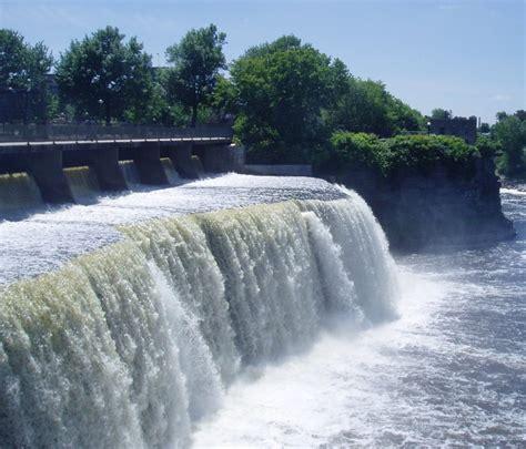 Rideau Falls by Rideau Falls