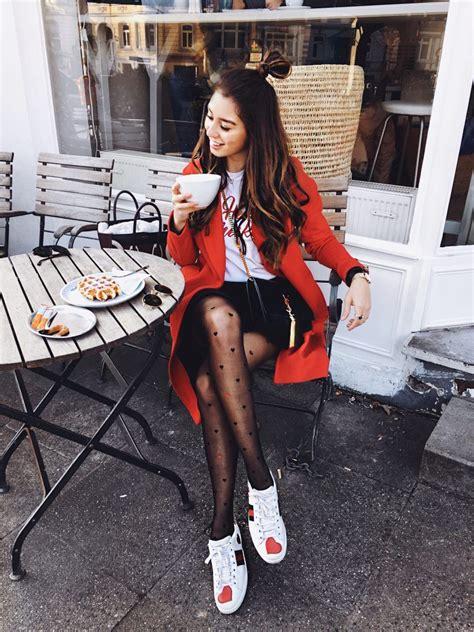 shop  instagram  roter mantel statement tights