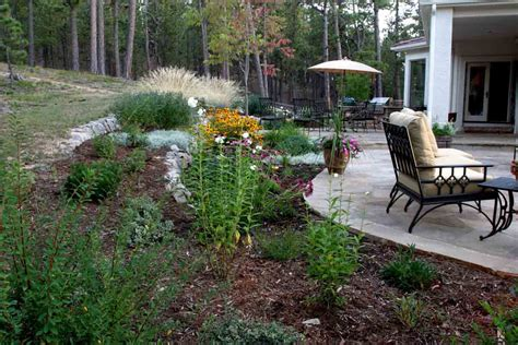 Backyard Landscaping Ideas Pictures Backyard Patio Landscaping Marceladick