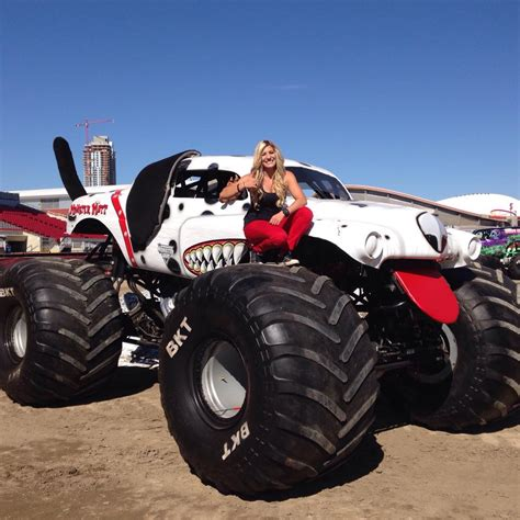 monster mutt monster truck videos image gallery monster mutt dalmatian driver
