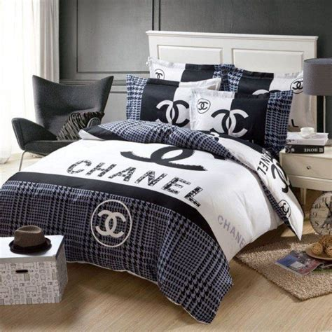 Set Chanel 25 best ideas about chanel bedding on chanel