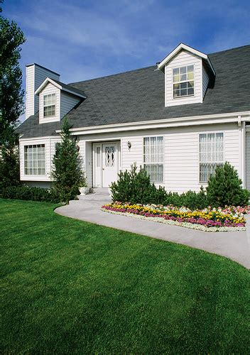 average cost to put vinyl siding on a house how to install vinyl siding on your house