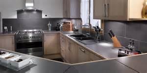 indogate cuisine noir laque et bois