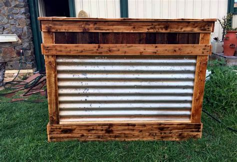 diy reclaimed pallet wood bar table 99 pallets