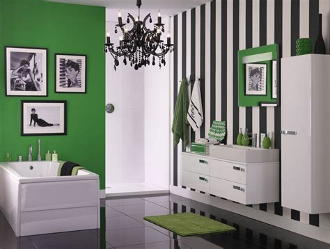 green wallpaper for feature wall colour crush emerald green sophie robinson