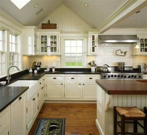 sherwin williams creamy pretty paint colour choice for