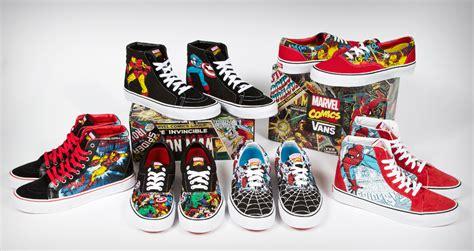 Harga Vans Marvel Original santa bring vans x marvel to town vans