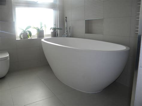 choosing a bathtub tips on choosing bathtub for minimalist bathroom ward log homes