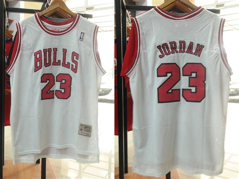 Baju Basket Bulls jual jersey basket nba swingman chicago bulls 23