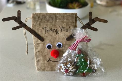 reindeer craft to sell craft ideas reindeer burlap gift bag s lounge