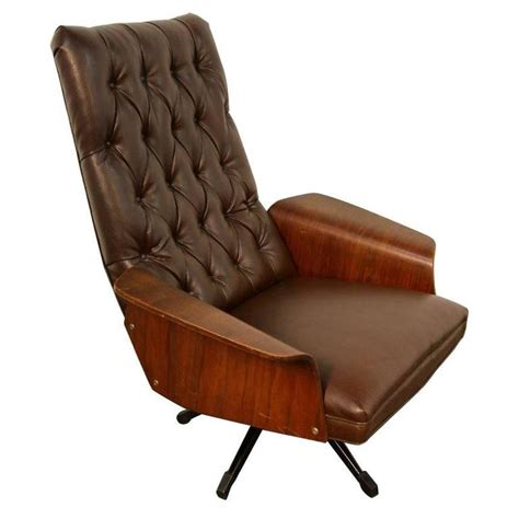Plycraft Chair For Sale by Mulhauser Tufted Back Lounge Chair By Plycraft For Sale At