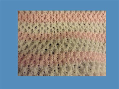 knitting central how to knit honeycomb stitch on the loom loom knit central