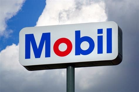 mobil gas station locations apple pay now works at exxon and mobil gas stations