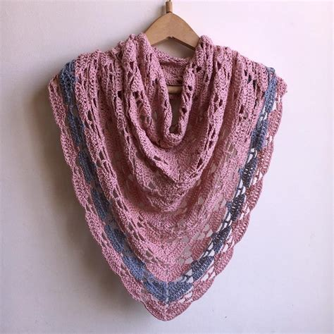 arrow triangle shawl crochet pattern  accessorise
