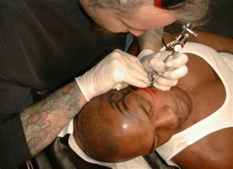 mike tyson tattoo mike tyson s artist sues hangover tip