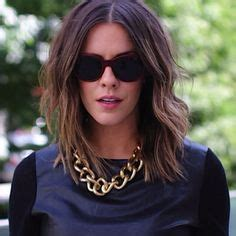 how does courtney kerr style her short hair chrissy teigen s new hairstyle ombre hair with shoulder