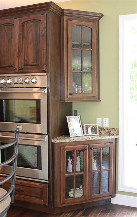 knotty alder kitchen cabinets the cabinets plus knotty alder kitchen cabinets