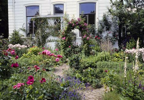 Garten Gestalten Cottage by Ein Cottage Garten Wie Bei Miss Marple Bl 252 Tenrausch