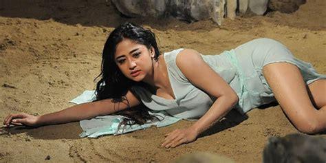 film indonesia yang hot terbaru film horor terbaru dewi perssik berganti judul jadi