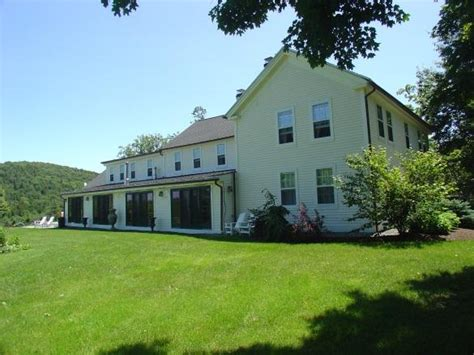 whoopi goldberg house on the market whoopi goldberg s vermont home places and spaces
