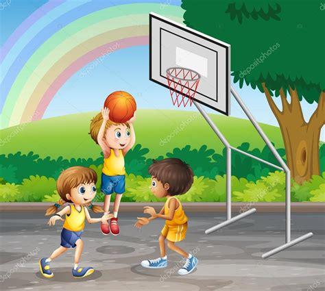 dibujos niños jugando baloncesto tres ni 241 os jugando baloncesto en la corte vector de