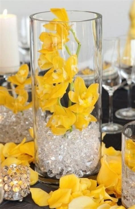 centerpieces modern wedding centerpieces 797432 weddbook - Contemporary Centerpieces