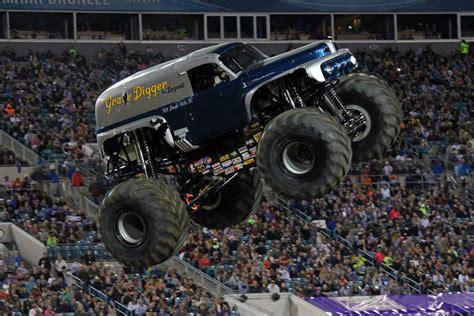 monster truck jam jacksonville jacksonville florida monster jam february 22 2014